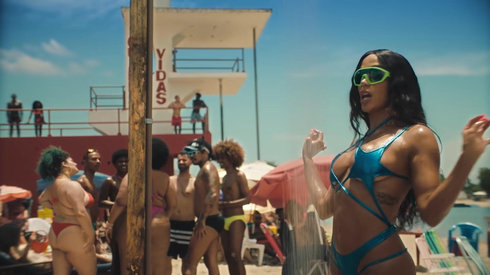 Anitta - Girl From Rio (Official Music Video) 2-15 Screenshot