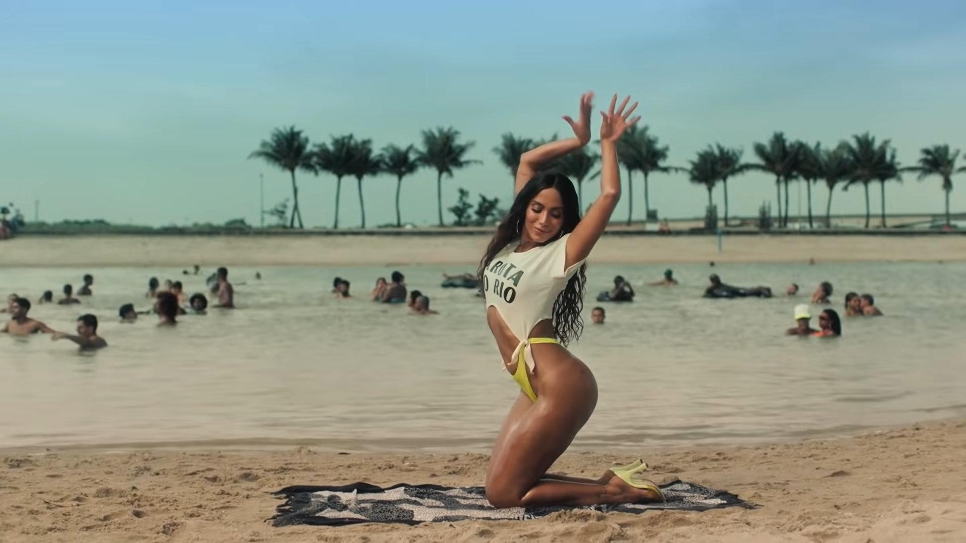 Anitta - Girl From Rio (Official Music Video) 2-37 Screenshot