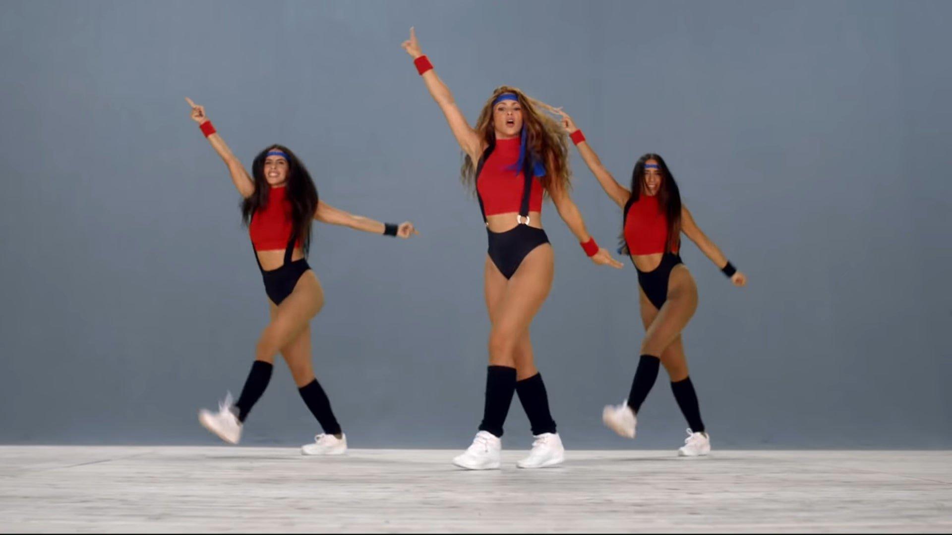 Black Eyed Peas, Shakira - GIRL LIKE ME (Official Music Video) 0-59 Screenshot