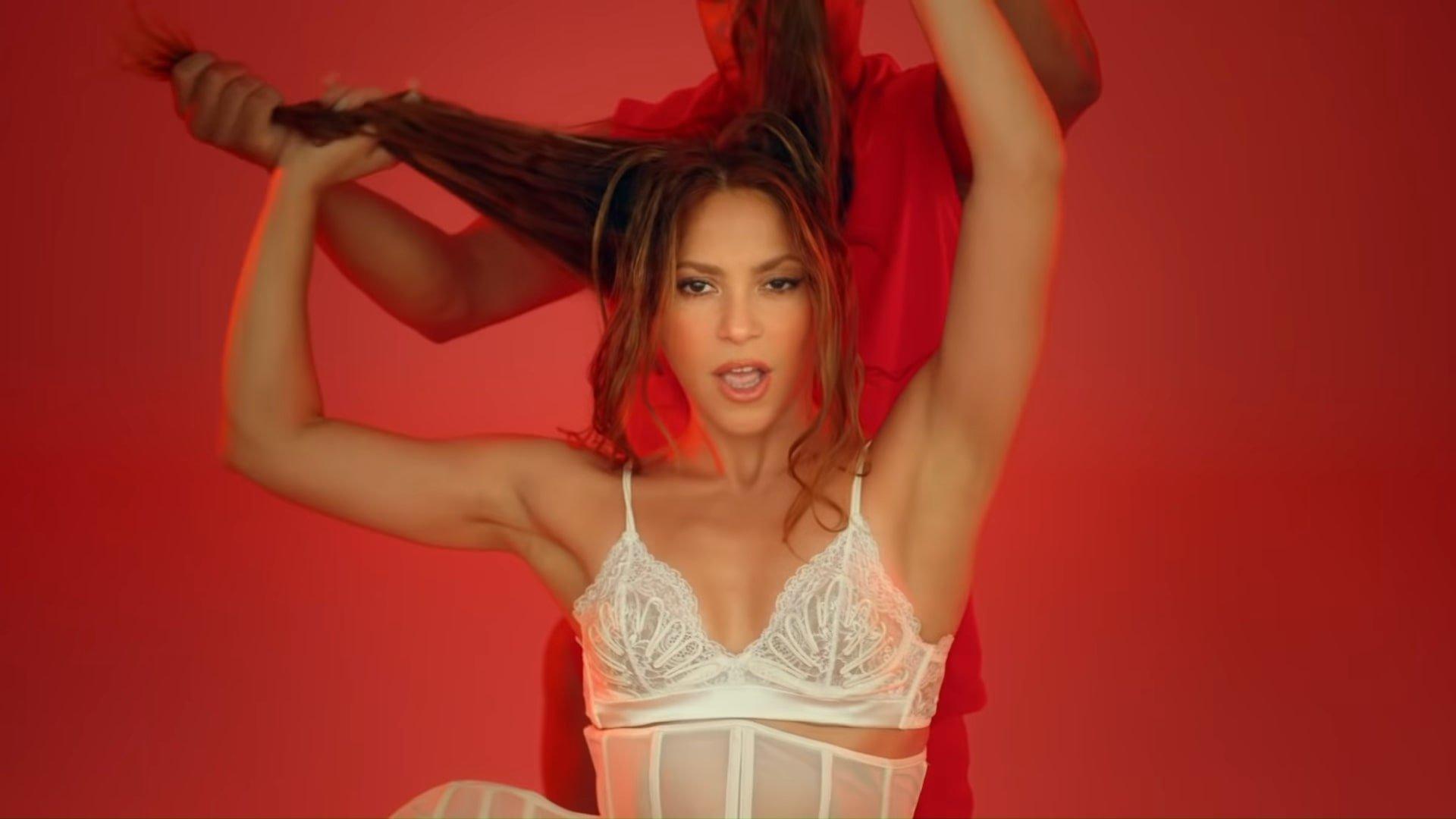 Black Eyed Peas, Shakira - GIRL LIKE ME (Official Music Video) 1-41 Screenshot