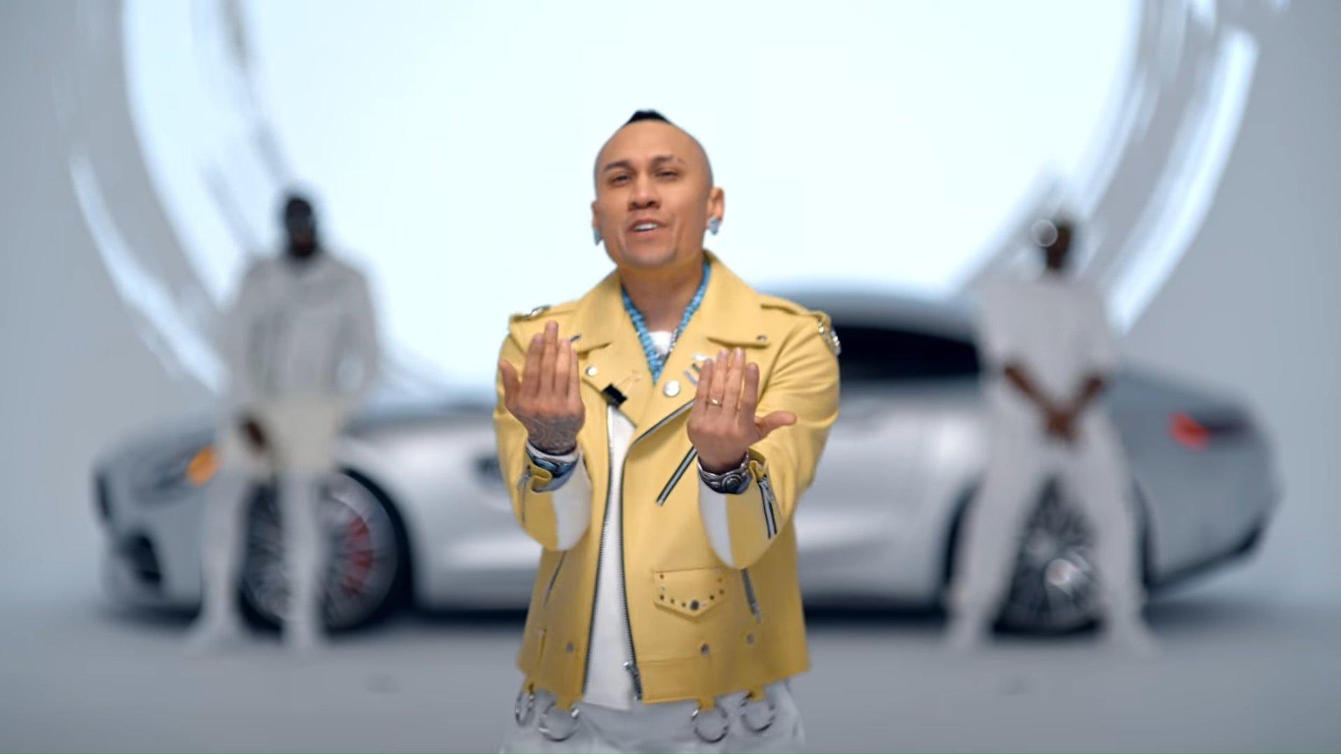 Black Eyed Peas, Shakira - GIRL LIKE ME (Official Music Video) 2-1 Screenshot