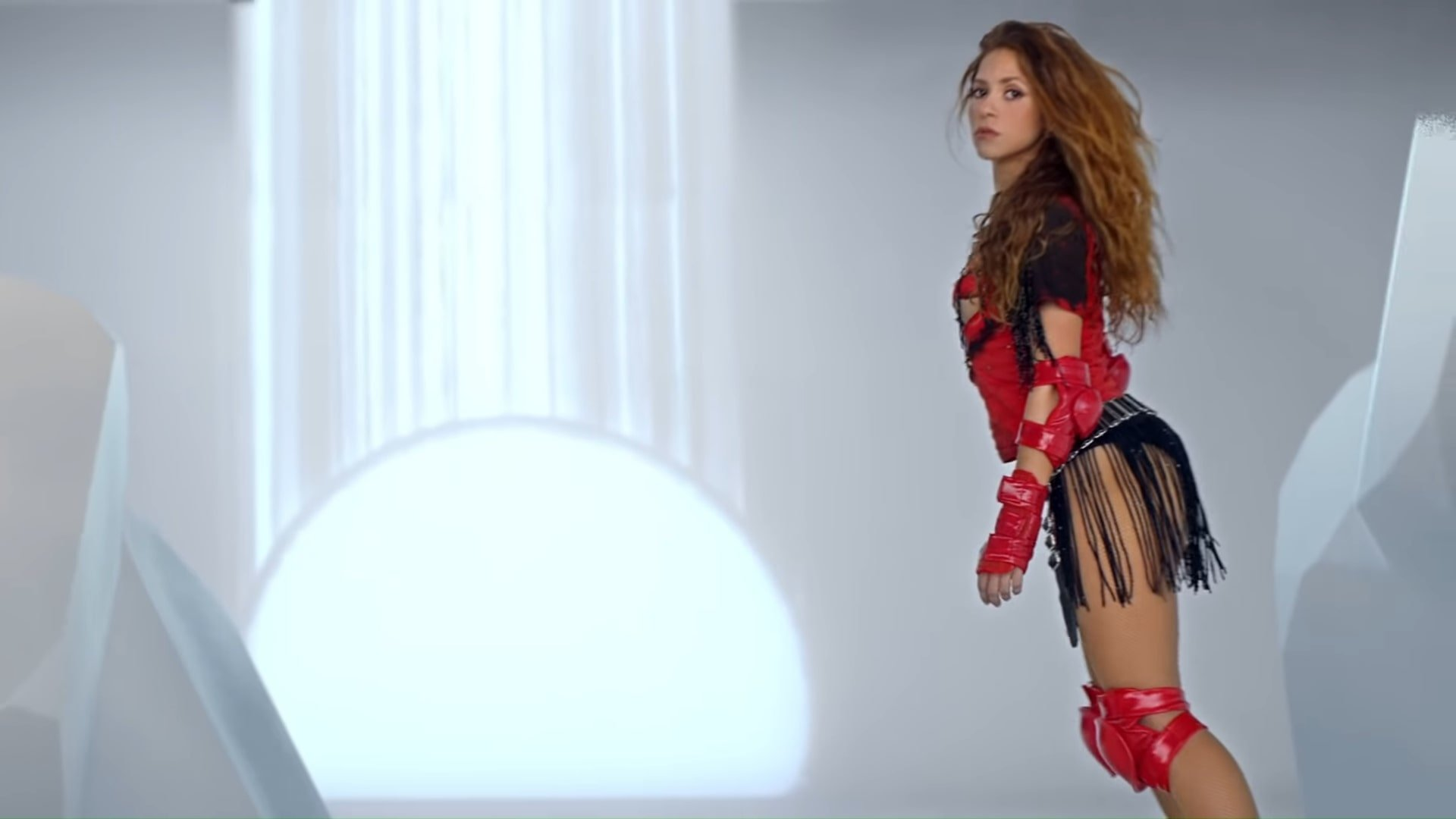 Black Eyed Peas, Shakira - GIRL LIKE ME (Official Music Video) 2-23 Screenshot