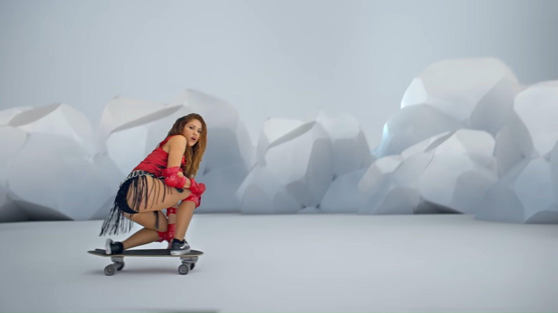 Black Eyed Peas, Shakira - GIRL LIKE ME (Official Music Video) 2-36 Screenshot