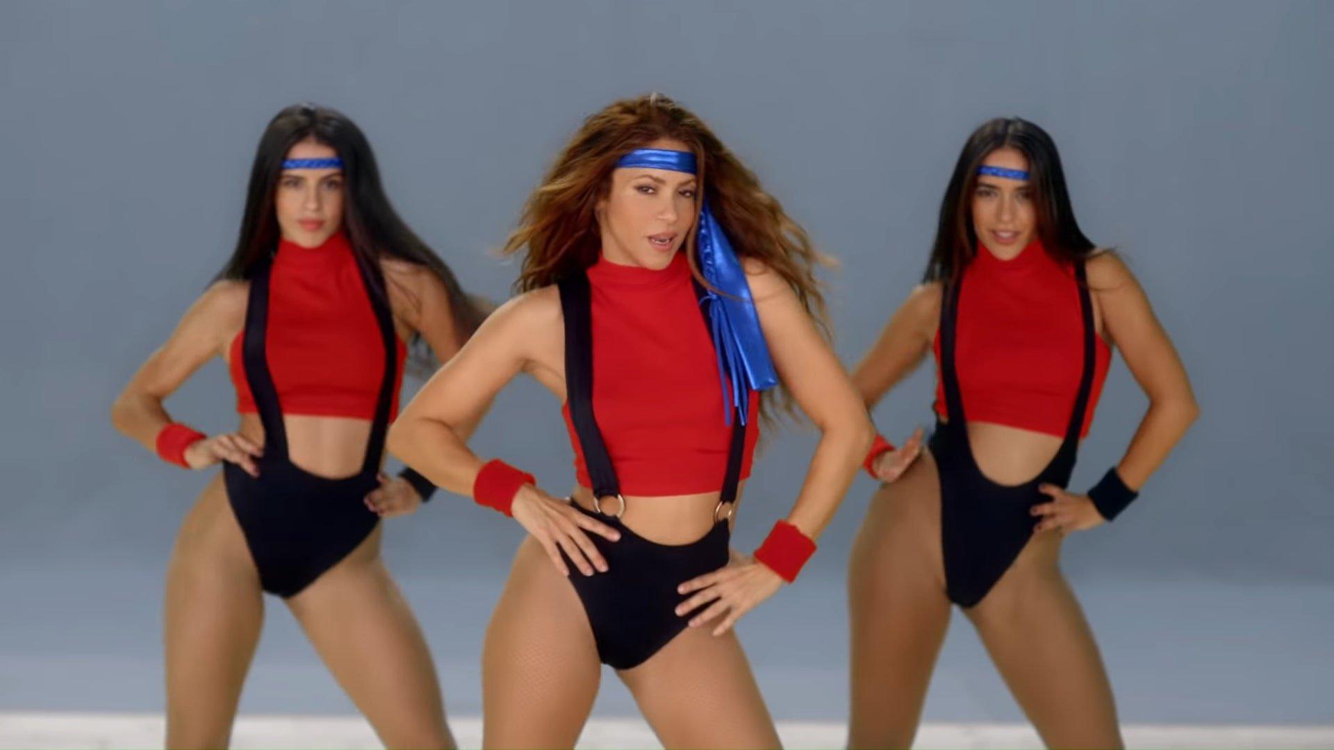 Black Eyed Peas, Shakira - GIRL LIKE ME (Official Music Video) 2-47 Screenshot