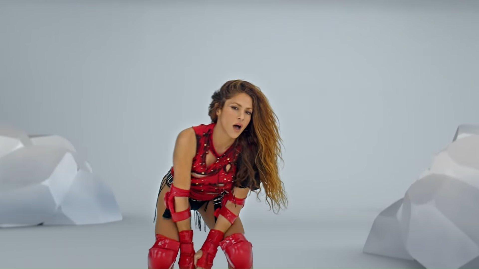 Black Eyed Peas, Shakira - GIRL LIKE ME (Official Music Video) 2-4 Screenshot