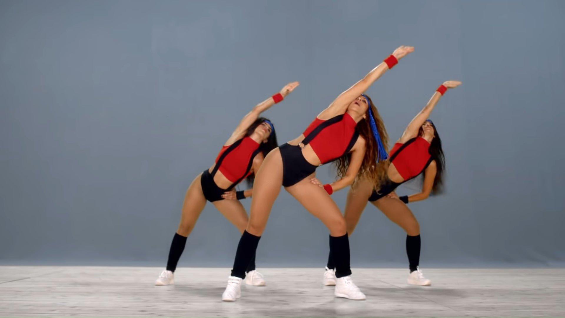 Black Eyed Peas, Shakira - GIRL LIKE ME (Official Music Video) 2-57 Screenshot