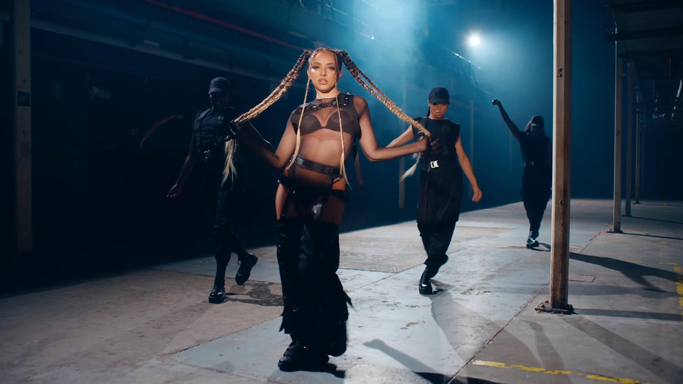 Little Mix - Sweet Melody (Official Video) 0-17 Screenshot