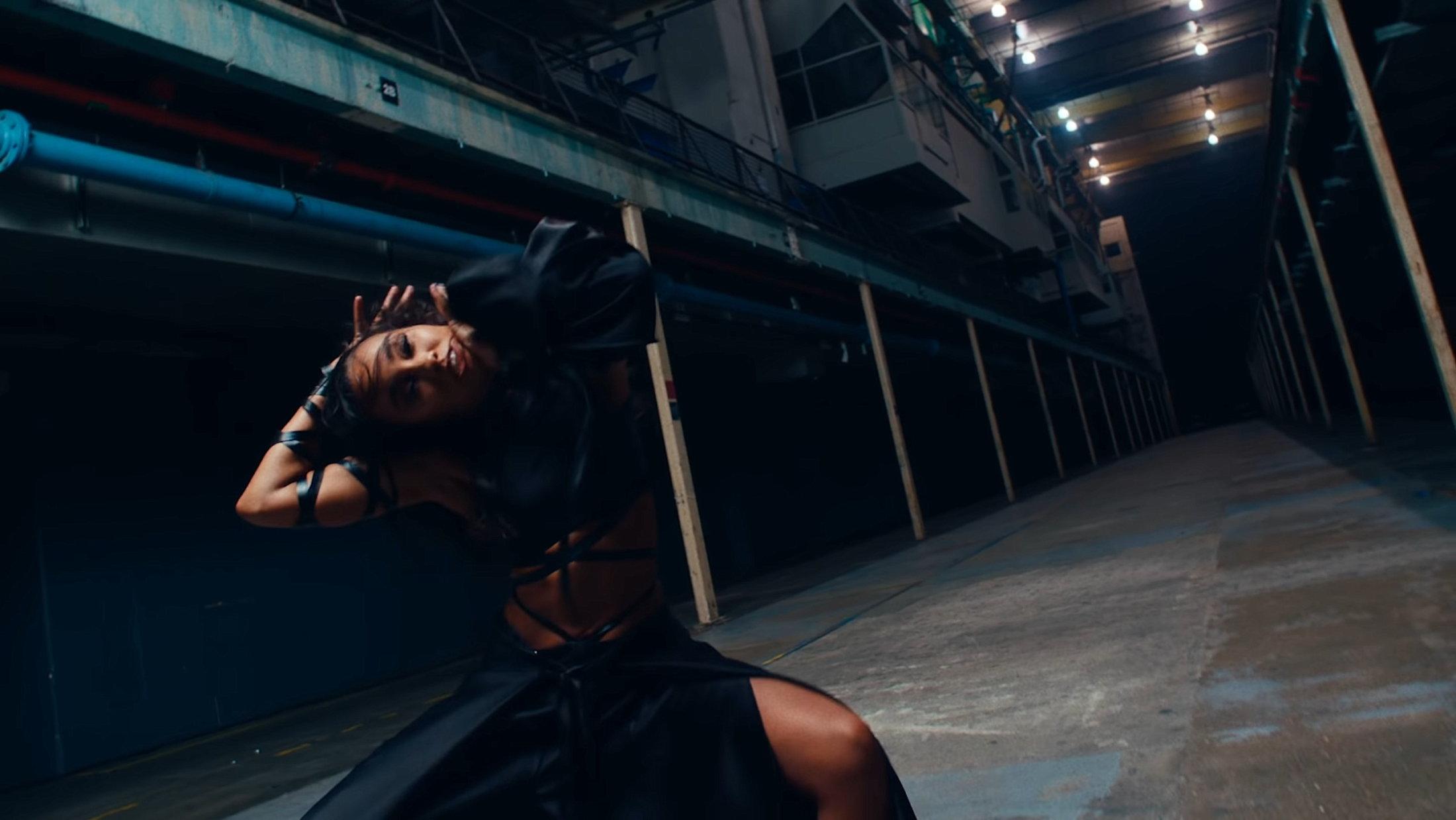 Little Mix - Sweet Melody (Official Video) 0-31 Screenshot