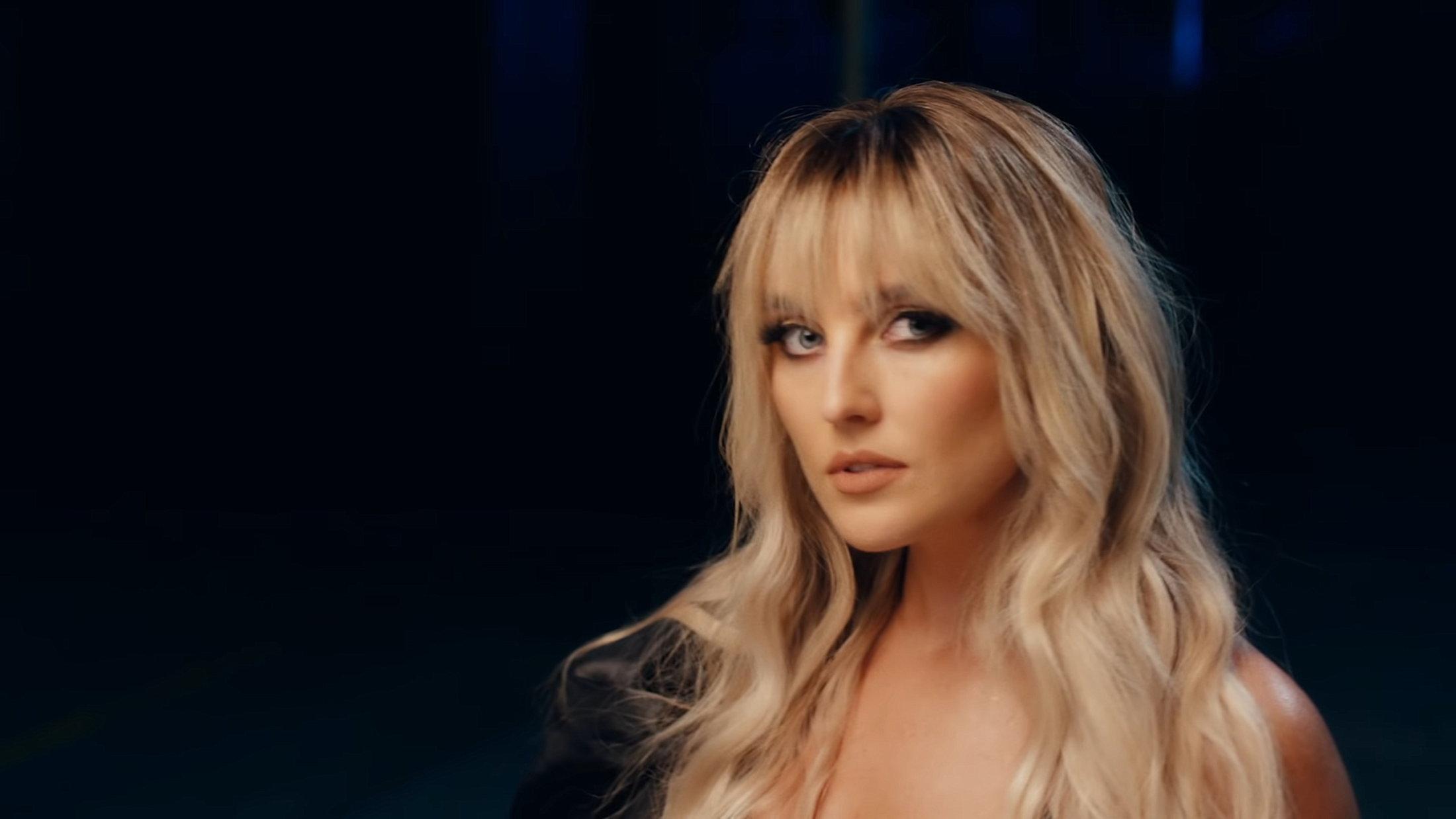Little Mix - Sweet Melody (Official Video) 0-3 Screenshot