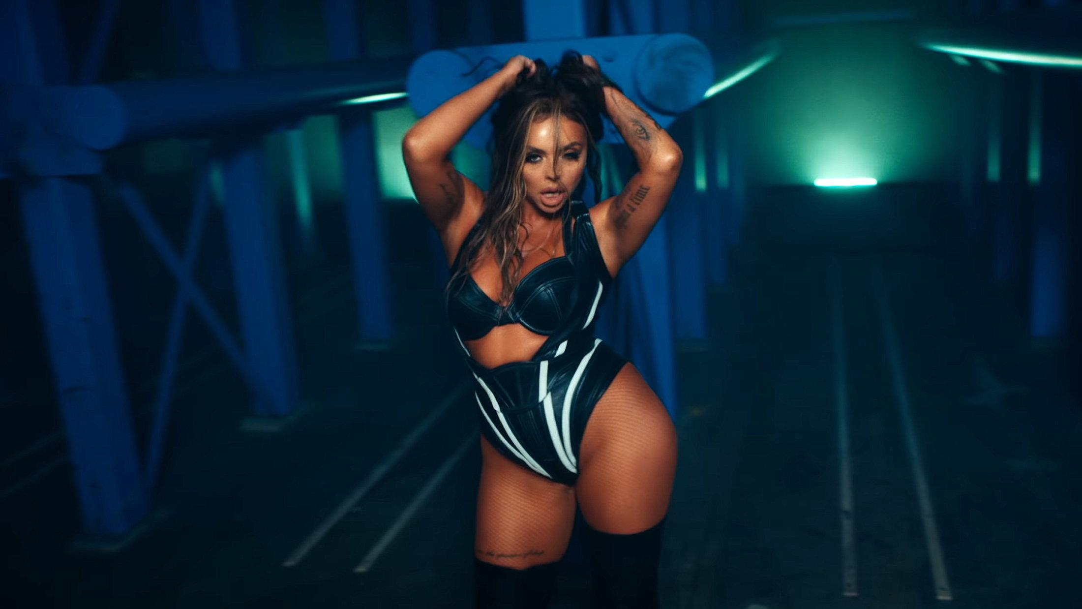 Little Mix - Sweet Melody (Official Video) 0-41 Screenshot (1)