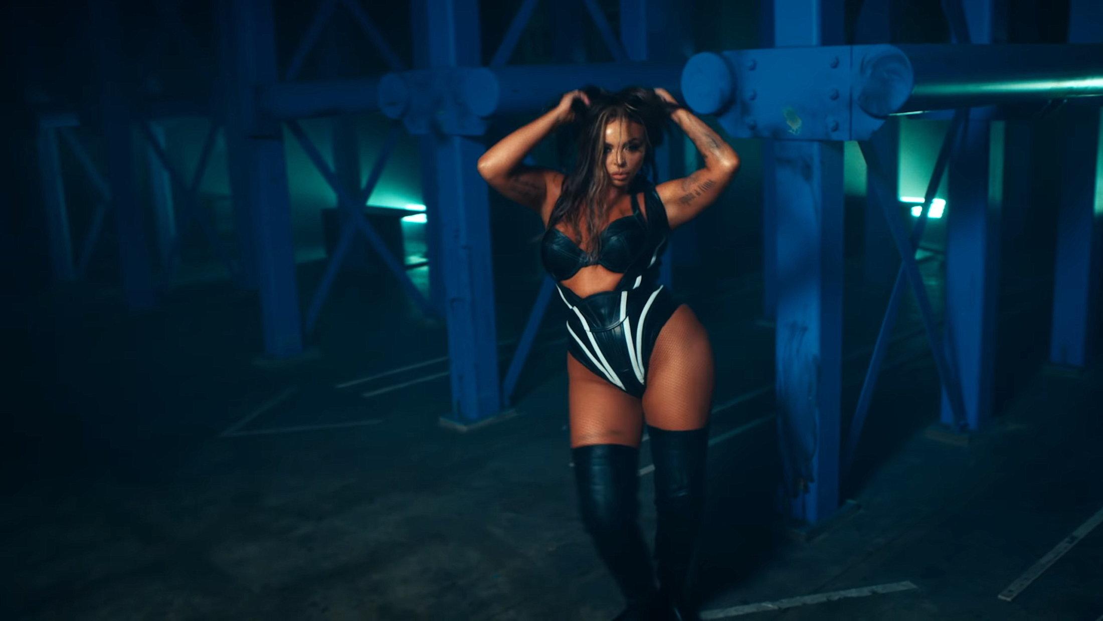 Little Mix - Sweet Melody (Official Video) 0-42 Screenshot