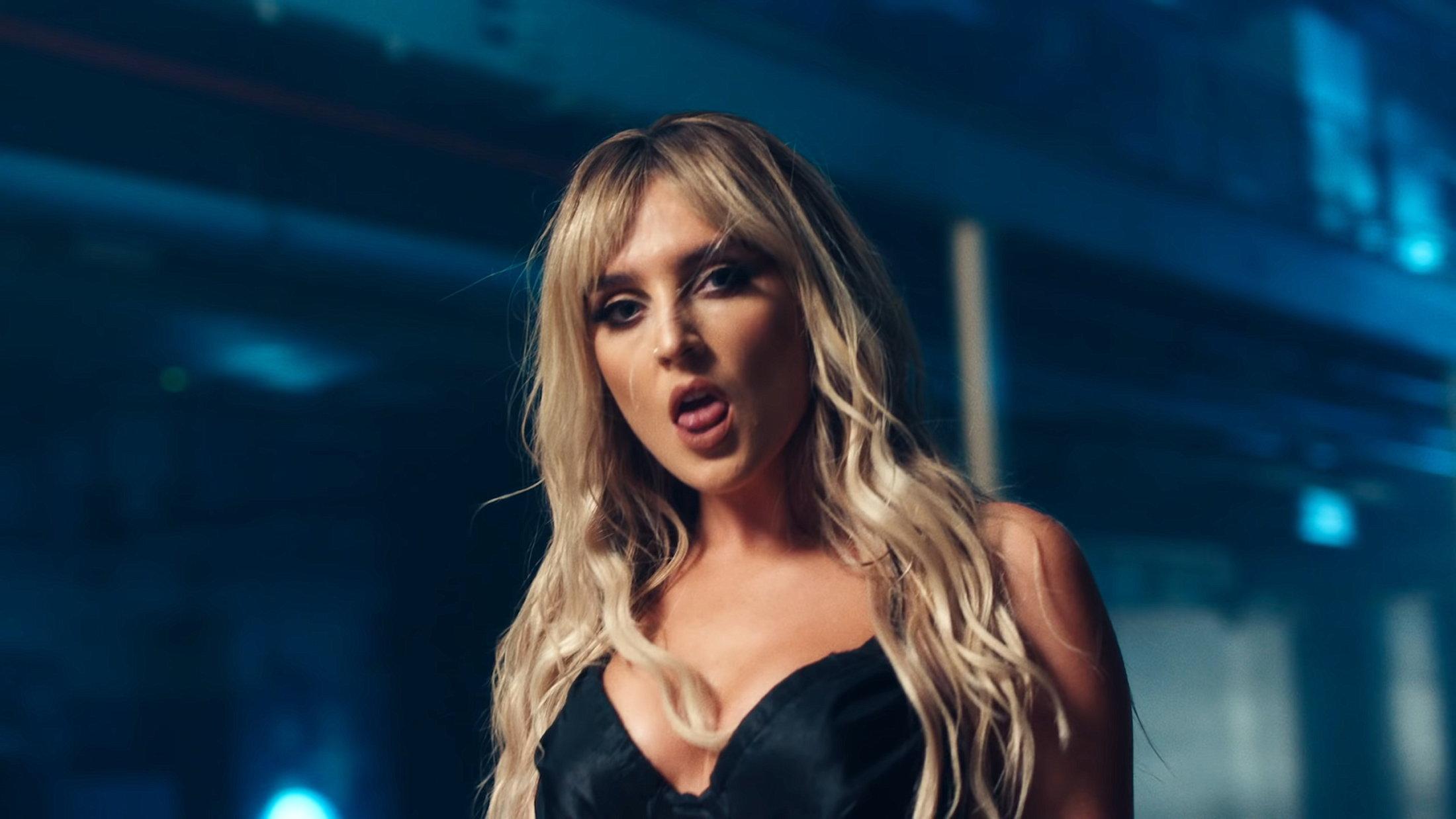 Little Mix - Sweet Melody (Official Video) 1-11 Screenshot (1)
