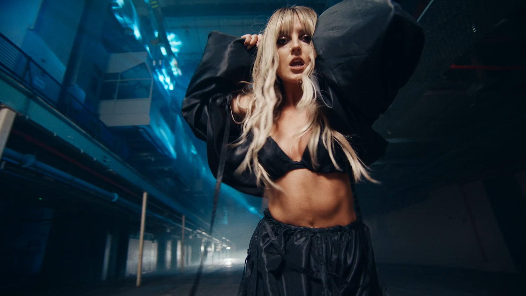 Little Mix - Sweet Melody (Official Video) 1-14 Screenshot
