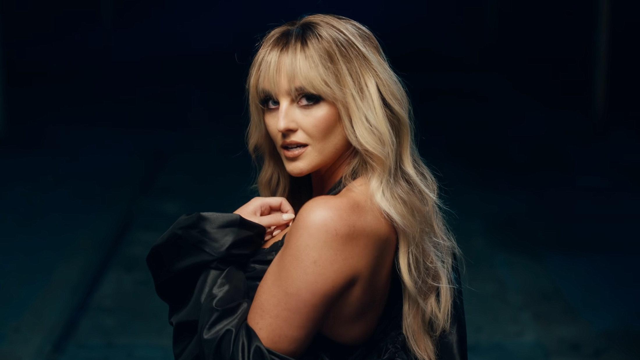 Little Mix - Sweet Melody (Official Video) 1-7 Screenshot