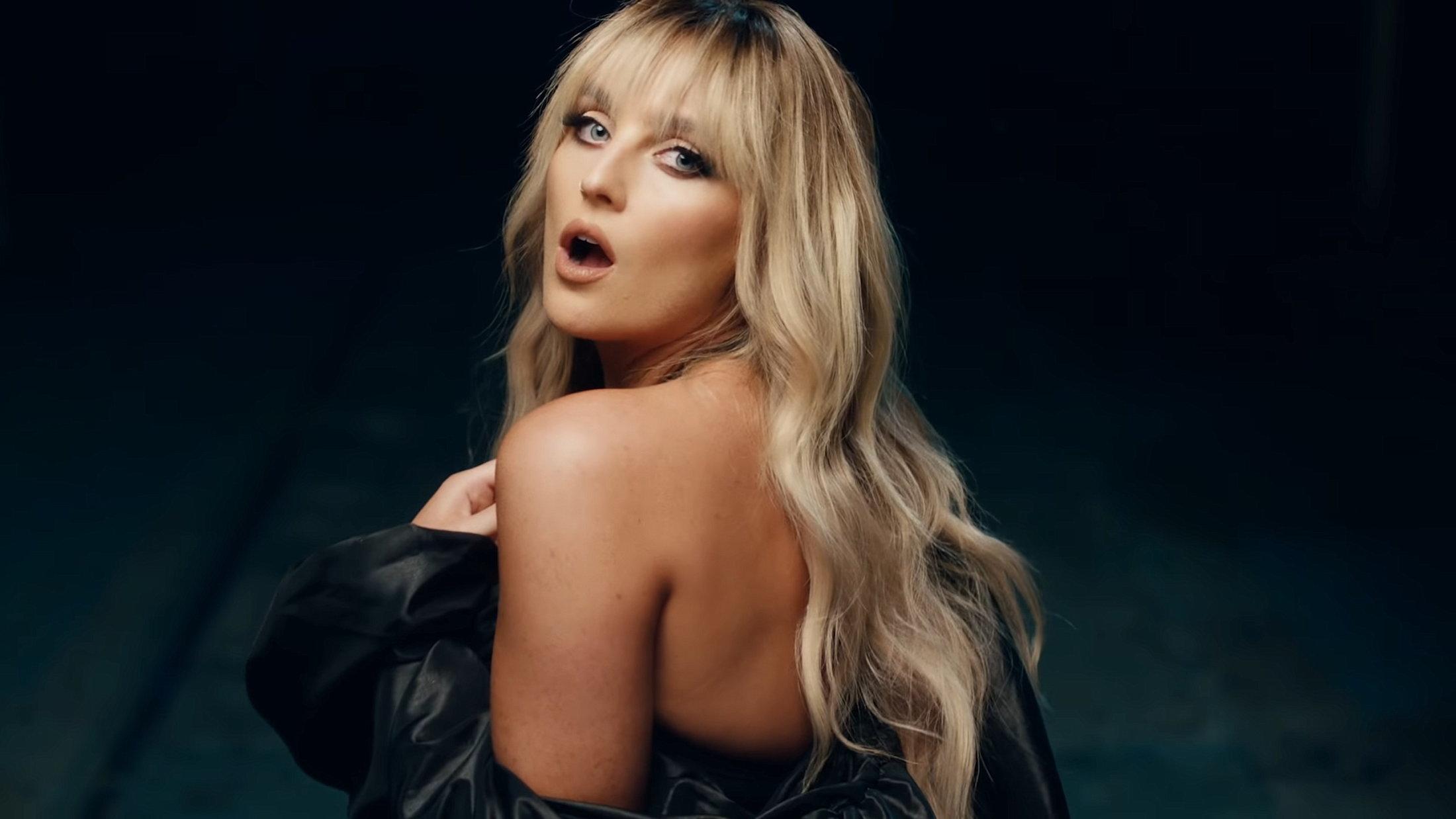 Little Mix - Sweet Melody (Official Video) 1-8 Screenshot