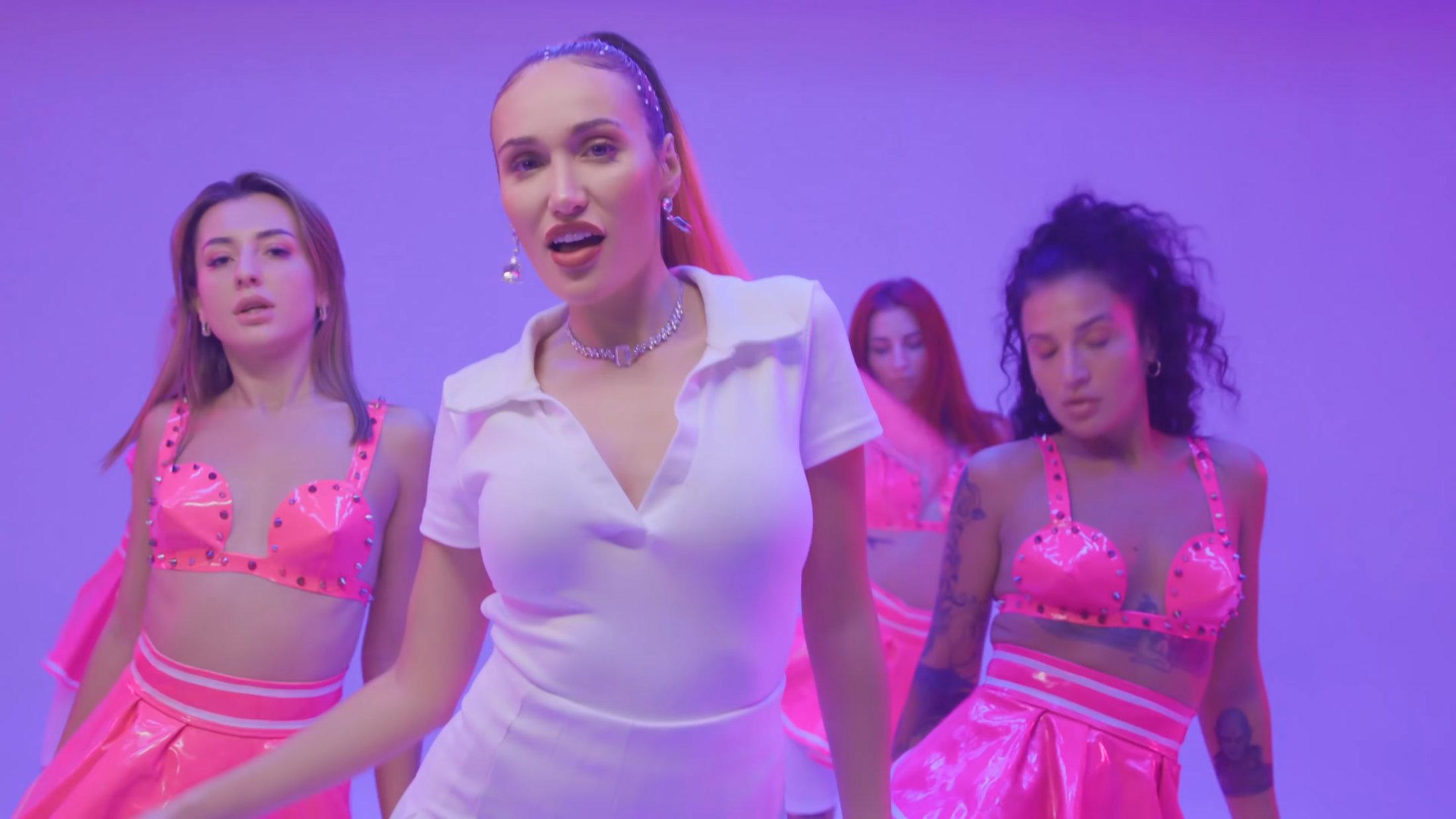 Luna Skye - Innocent (Official Music Video) 1-0 Screenshot