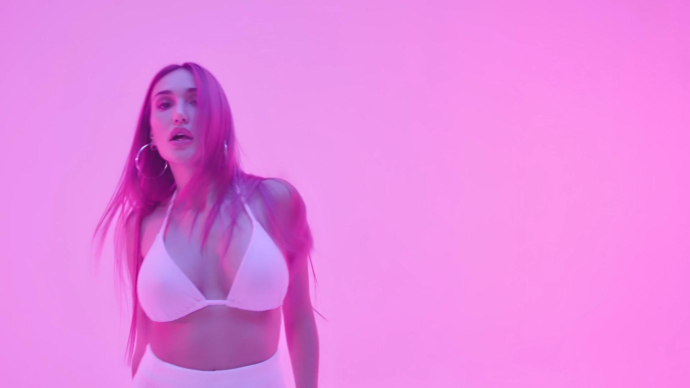 Luna Skye - Innocent (Official Music Video) 1-21 Screenshot