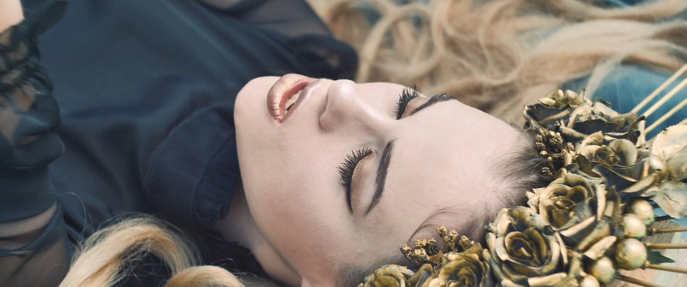 OMNIMAR - Feels Like Velvet (Official Video) 2-47 Screenshot (1)