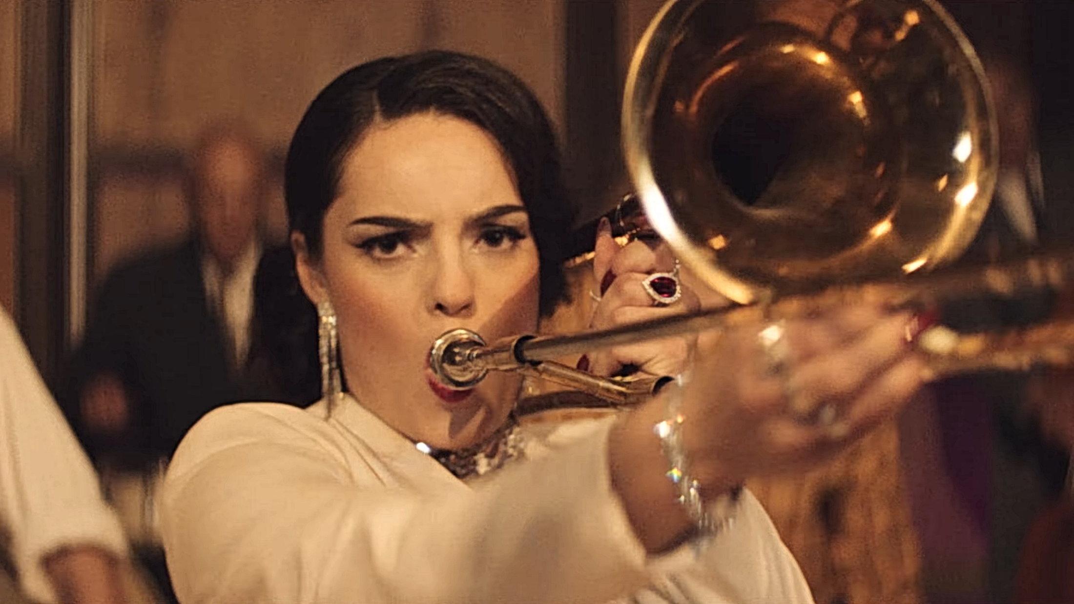 Trombone - AronChupa & Little Sis Nora OFFICIAL VIDEO 2-33 Screenshot